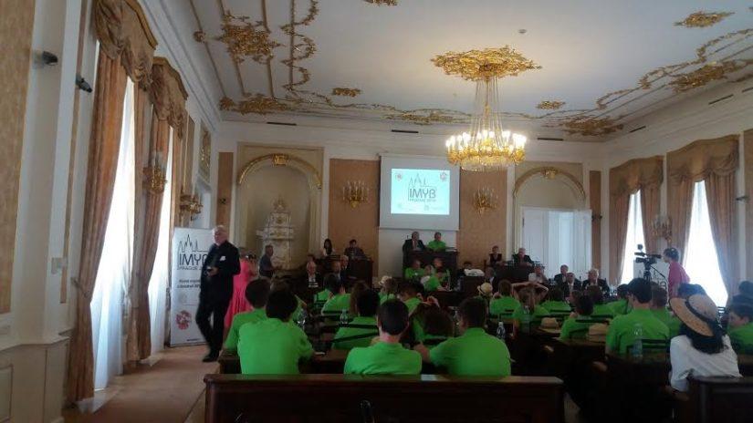 Делегация юных пчеловодов в Чешском парламенте
