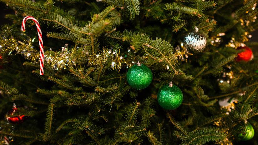 украшение на елке